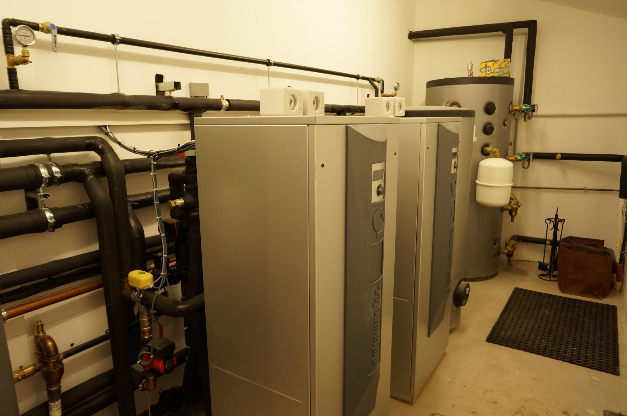 installation pompe chaleur alpha innotec mallemort installation et d pannage climatisation. Black Bedroom Furniture Sets. Home Design Ideas