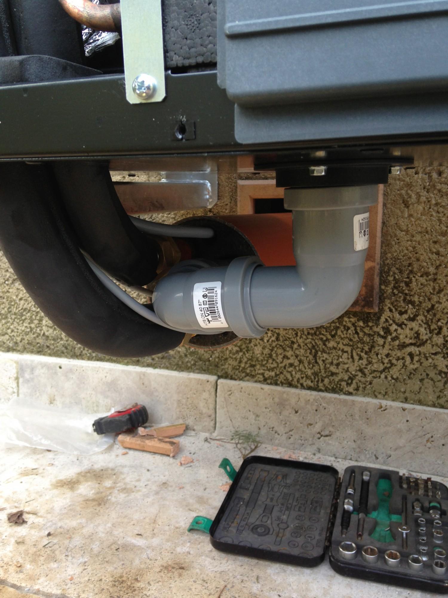 Pompe chaleur alpha innotec type lwd avec tour for Interet pompe a chaleur