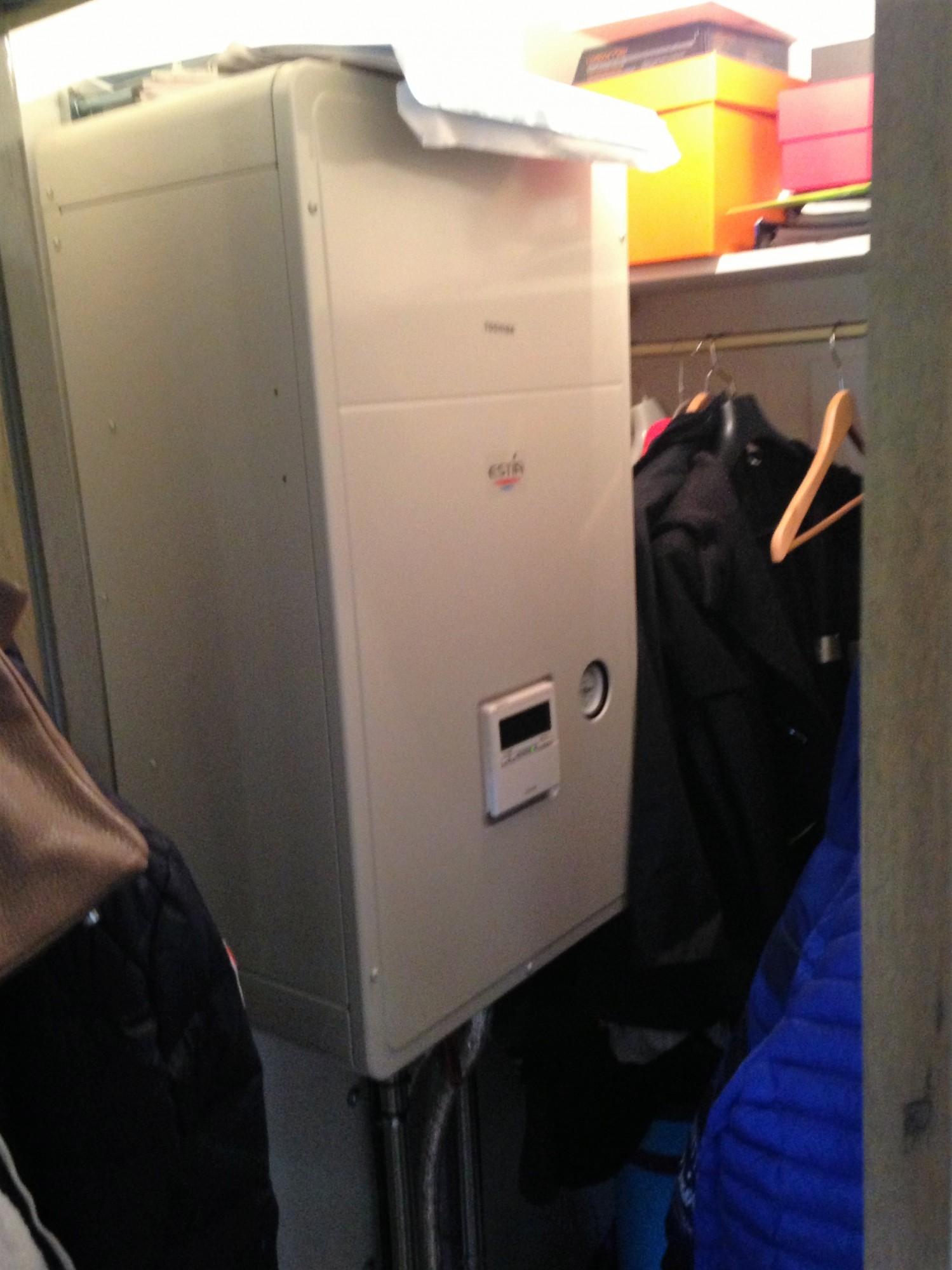 pompe chaleur toshiba type hestia installation et d pannage climatisation et pompe chaleur. Black Bedroom Furniture Sets. Home Design Ideas