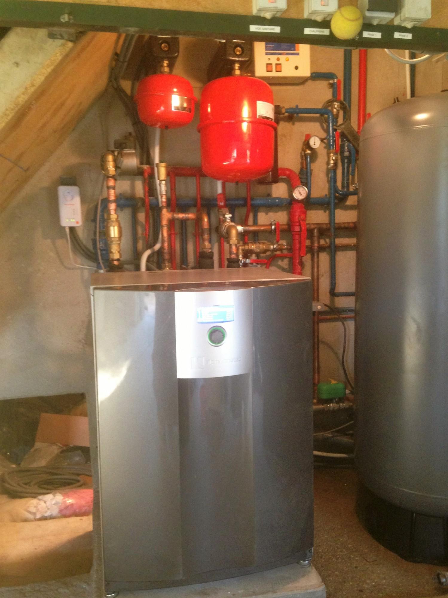 installateur professionnel de pompe chaleur eau eau haut de gamme de la marque alpha innotec. Black Bedroom Furniture Sets. Home Design Ideas